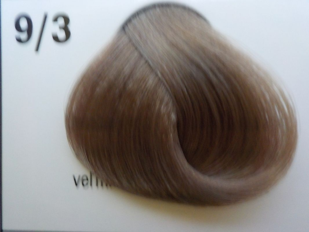 Barva na vlasy Subrina professional Unique 9/3 - velmi světlý blond cendre